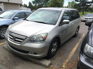 2005 Honda Odyssey Touring - Top of the line, FULLY loaded