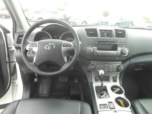 2013 Toyota Highlander Sport AWD Peterborough Peterborough Area image 13