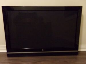 """LG.  42""""  PLASMA  TV  WITH  WALL  MOUNTING  BRACKET  INCLUDED"""