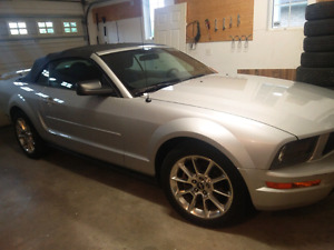 06 FORD MUSTANG V6 CONVERTIBLE /w EXTRA TOP + VINYL STRIPES
