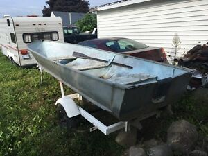 14' aluminum boat w/ trailer and 15hp Johnson