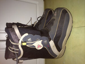 Firefly comfort fit 3 PAC cruising snowboard boots size 9 mens l Edmonton Edmonton Area image 1