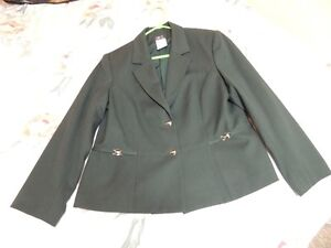 Ladies Forest Green Kilt Jacket. size 16. Canadian Made.