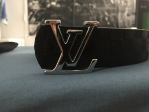 Ceinture luxe Luis Vuitton Paris 90$