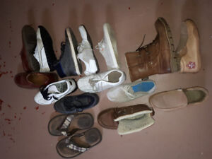 Mens shoes used but in good shape.