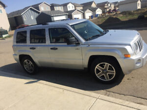 2009 Jeep Patriot 4WD &winter tires