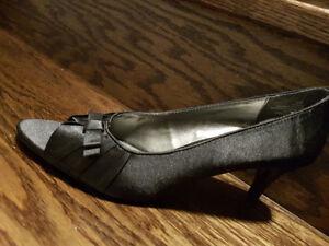 Women high heel footwear