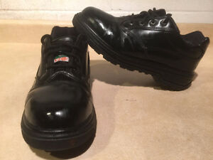 Women's Magnum Steel Toe Work Shoes 8.5 London Ontario image 1