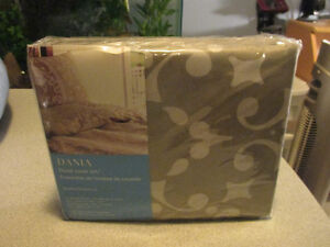 SEALED BRAND NEW DOUBLE DUVET COVER w 2 PILLOW COVERS