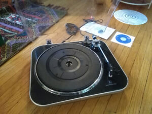 USB Turntable / Record player - $40 (Wentworth