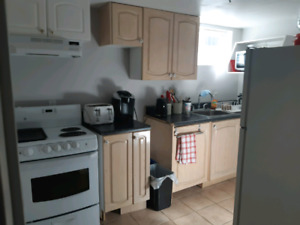 LARGE FURNISHED ROOM/ STONEY CREEK FOR RENT MAY 1, 2019