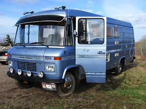 Extremely Rare 20ft Mercedes Camper Van/ Toy Hauler Project