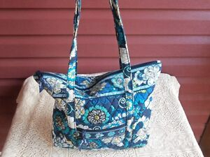 Lovely Vera Bradley Shoulder or Tote Bag!