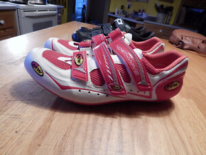 Mens Northwave road cycling shoes.