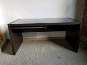 PPU - Brown Desk with Glass Top