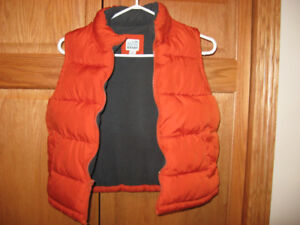 Womans Vest. Size Small.   Or.
