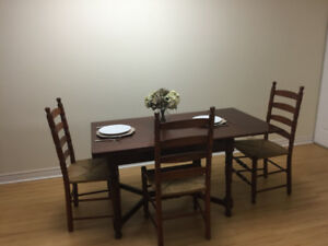 Kitchen /Dining Table with chairs