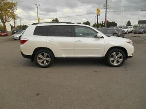 2013 Toyota Highlander Sport AWD Peterborough Peterborough Area image 7