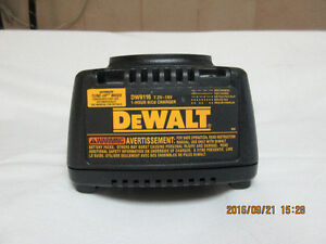 DEWALT CHARGEUR DW9116