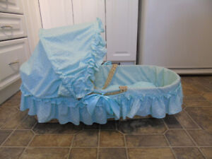 baby bedside or travelling bed