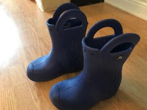 Kids size 11 Crocs rain boots