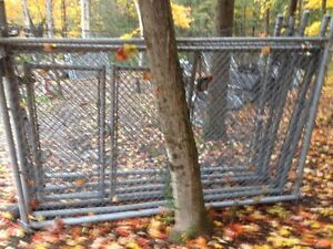 4 cage  Gatineau Ottawa / Gatineau Area image 1