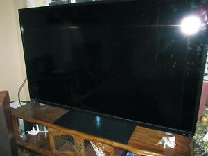 LED LCD TV Toshiba 58 inch (Realistic Picture, like-new)