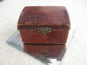 OLD ANTIQUE MAN'S MADE-in-ENGLAND LEATHER JEWEL TRUNK