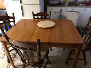 Dining table for sale Windsor Region Ontario image 2