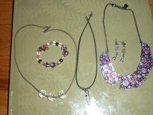 Costume Jewellery - Plus Bracelets - Lot sale!!