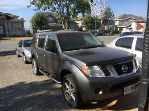 Immaculate 2008 Nissan Pathfinder LE