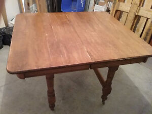 Maple Dining/Kitchen Table and 2 Leaves - New Price!!!