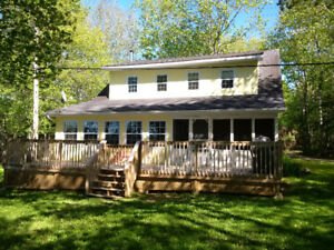 LAKEFRONT House / Cottage for Sale on Mill Lake!