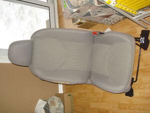 2006, 2007, 2008, 2009, 2010, 2011, 2012 Toyota Rav4 seat