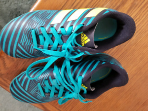 Size 2 Adidas indoor soccer shoes