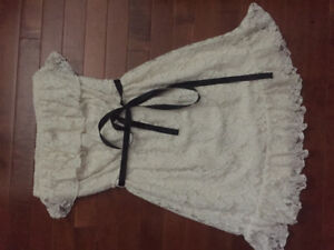 4 teen dresses polka dots white lace hollister new with tags!
