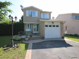ORLEANS. Beautiful two-storey single family house - Corner