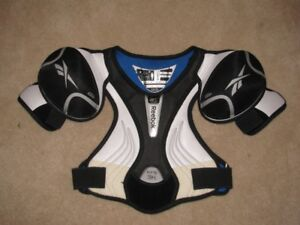 REEBOK 3K KFS JR HOCKEY SHOULDER PADS