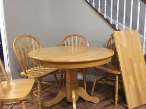 Oak Round Pedestal Table Buy Or Sell Dining Table Sets In Ontario K
