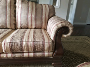 Couch / Sofa set For Sale