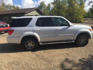 2005 Toyota Sequoia Limited SUV, Crossover