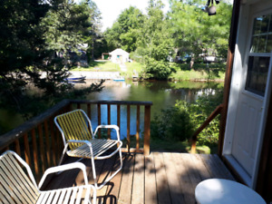 Kawarthas waterfront cottage