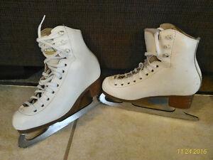 Girls Jackson Mystique figure skates size 13 1/2