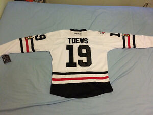 Brand NEW Chicago Blackhawks Jonathan Toews jersey with tags