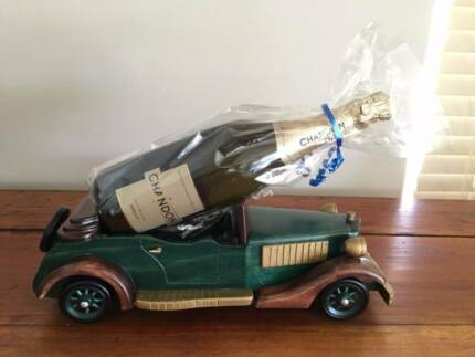 Excellent Workmanship Solid Wood Car and plane Model Wine Holder