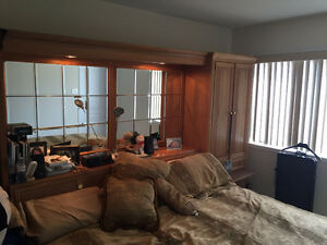 King size Bedroom set high quality very good condition