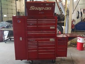 SNAPON TOOL BOX with MAC side cabinets