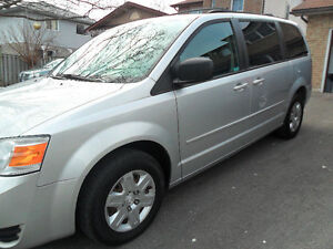 2008 Dodge Grand Caravan,DVD,Stow and GO,Rear Climate control