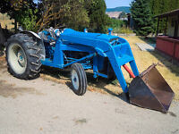 FORD 3000 TRACTOR - EXCELLENT CONDITION!
