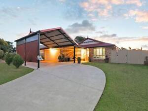Modern Lowset  Brick Home with Pool - CLEVELAND Cleveland Redland Area Preview